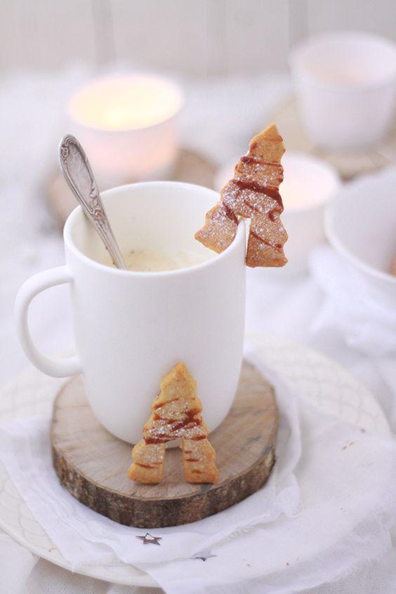 biscotto-alberello-per-tazza