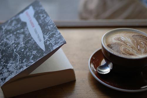 libro e caffè-le tazzine di yoko
