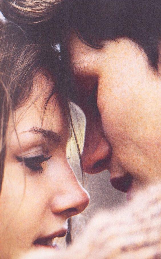 quasi bacio coppia