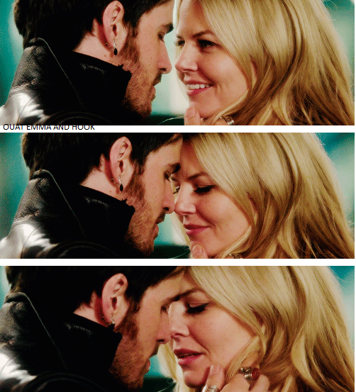 Emma e Hook bacio finale-le tazzine di yoko
