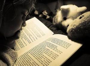 bambini che leggono-le tazzine di yoko
