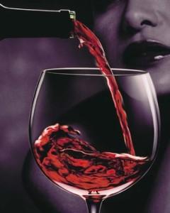calice di vino e donna misteriosa-le tazzine di yoko