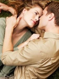 coppia-innamorata-le tazzine di yoko