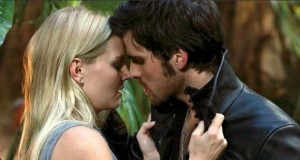 il-bacio-tra-emma-e-hook-in-once-upon-a-time-le tazzine di yoko
