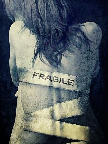 ragazza fragile - le tazzine di yoko